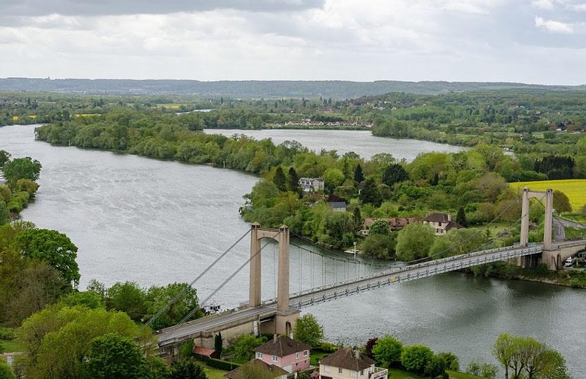 Река Сена в нижнем течении