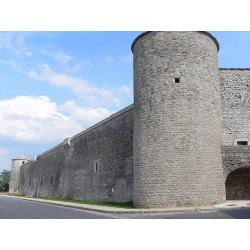 Крепостные укрепления в Ла-Кавальри (Fortifications de La Cavalerie)