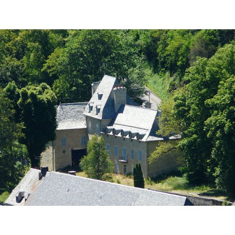 Замок Устрак (Château d'Oustrac)