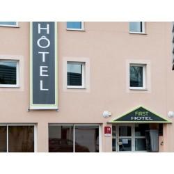 Отель Hotel First Rodez 2*